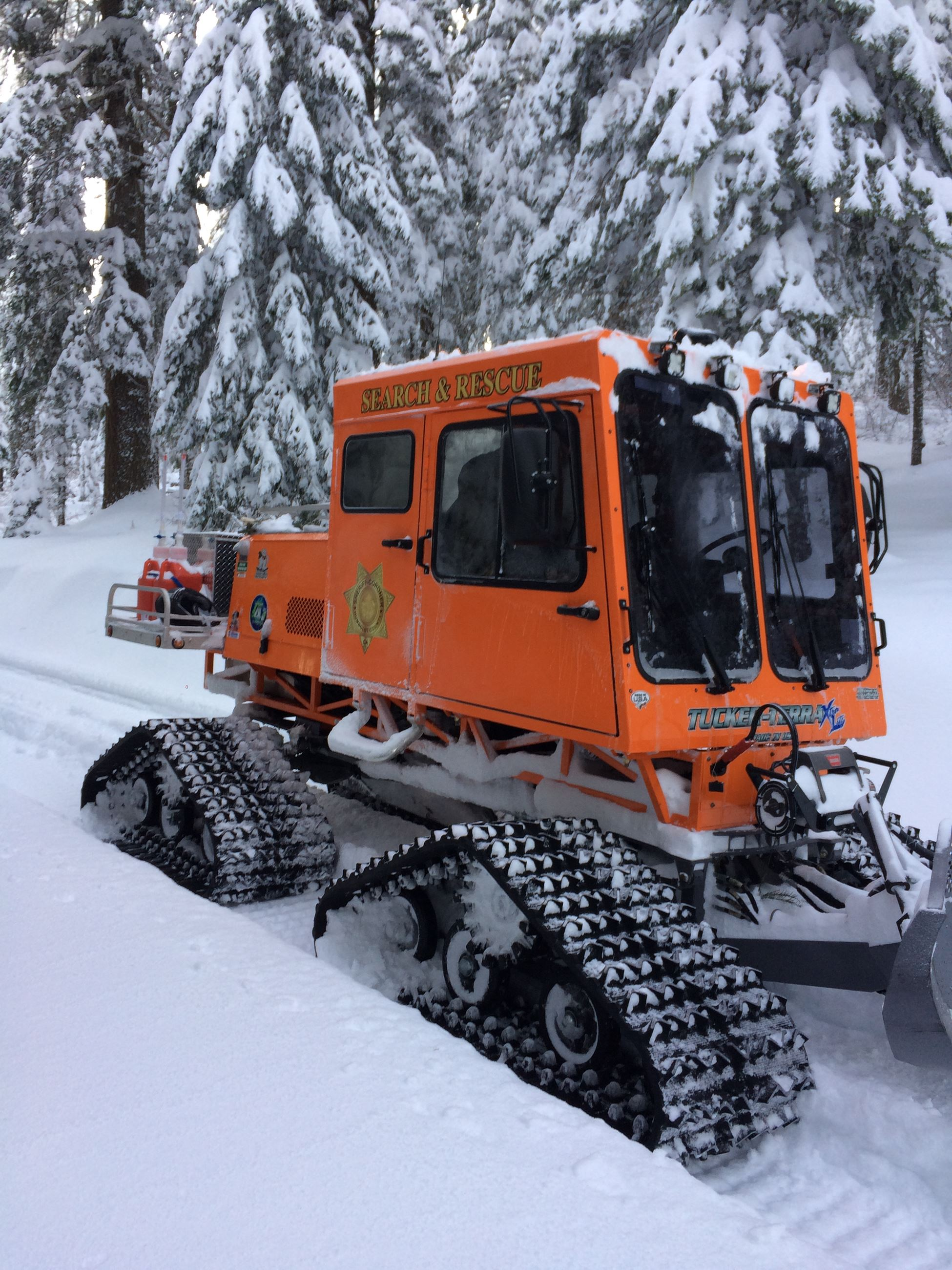 Photo of Sheriff&#39s Sno-Cat rescue vehicle