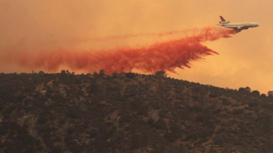Kern County Fire-1_Retardant drop