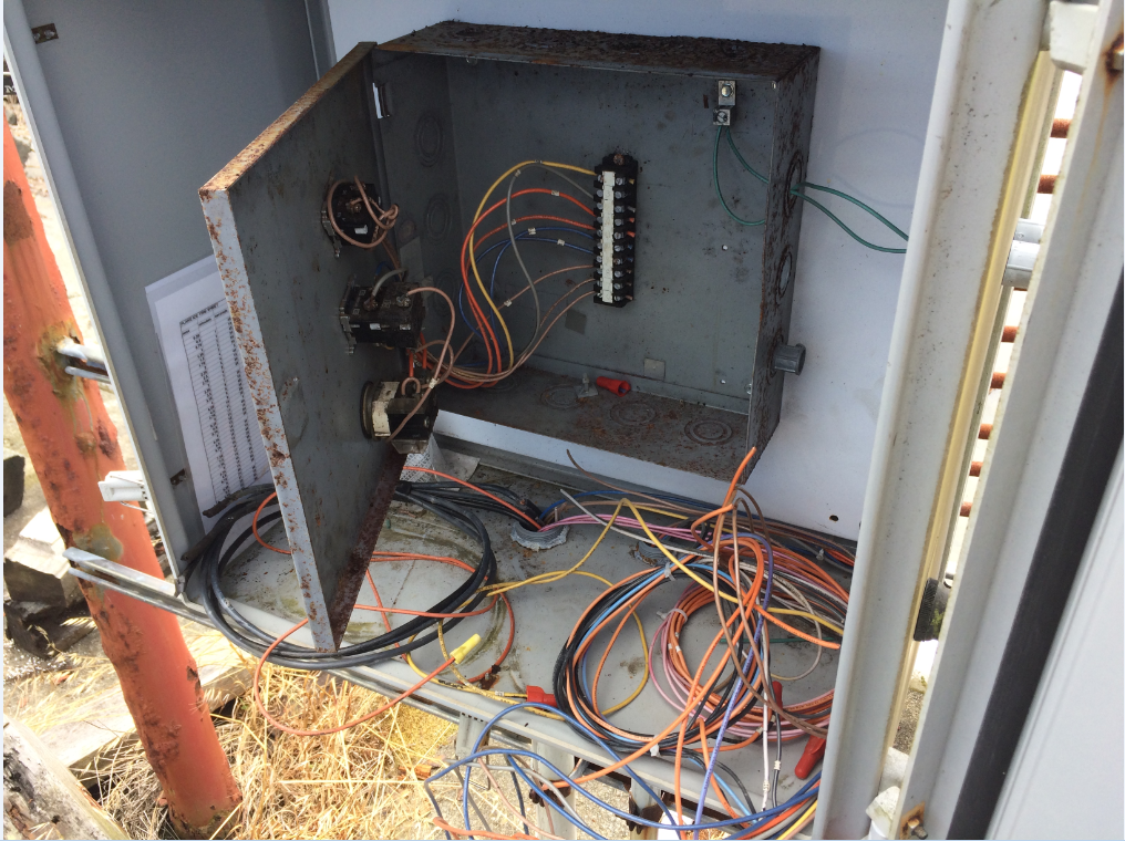 opened electrical box missing copper wiring